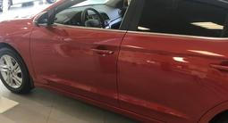 Hyundai Elantra 2020 года за 8 490 000 тг. в Алматы – фото 2