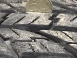 Диски на16 оригинал тойота фдж крузер с резиной за 350 000 тг. в Актобе – фото 5