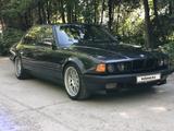 BMW 740 1994 года за 2 700 000 тг. в Алматы