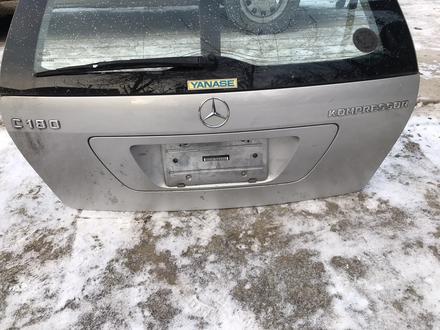 Mercedes c-class 180 универсал за 35 000 тг. в Алматы
