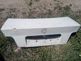 Крышка багажника bmw e36 за 5 000 тг. в Усть-Каменогорск