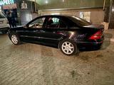 Mercedes-Benz C 240 2001 года за 3 099 999 тг. в Актау – фото 3