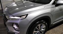 Hyundai Santa Fe 2019 года за 13 300 000 тг. в Алматы