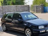 Volkswagen Golf 1997 года за 2 400 000 тг. в Алматы