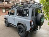 Land Rover Defender 2013 года за 15 000 000 тг. в Алматы – фото 2