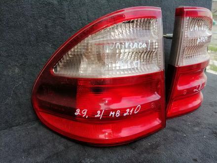Задние фонари на Мерседес 210 за 20 000 тг. в Караганда – фото 2