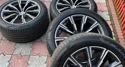 Диски вместе с резиной Pirelli на BMW X5.275/45/20, 305/40/20 за 850 000 тг. в Алматы – фото 2