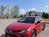 Toyota Camry 2021 года за 18 100 000 тг. в Алматы