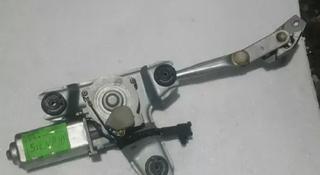 Моторчик заднего стеклоочистителя (дворника) на Тойота Сиенна 10 за 15 000 тг. в Караганда