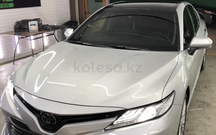 Toyota Camry 2018 года за 13 800 000 тг. в Алматы