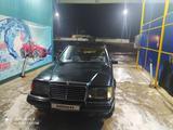Mercedes-Benz E 200 1986 года за 950 000 тг. в Жетысай – фото 5