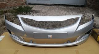 Передний бампер Hyundai Accent 2014-2016 (серебристый) за 25 000 тг. в Караганда