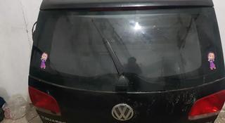 Крышка богажника на Volkswagen Touareg за 80 000 тг. в Нур-Султан (Астана)
