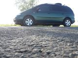 Volkswagen Sharan 1998 года за 3 200 000 тг. в Уральск – фото 2