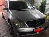 Mercedes-Benz R 350 2006 года за 4 700 000 тг. в Алматы