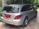 Mercedes-Benz R 350 2006 года за 4 700 000 тг. в Алматы – фото 2