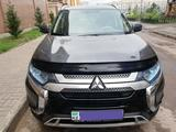 Mitsubishi Outlander 2018 года за 9 200 000 тг. в Нур-Султан (Астана)