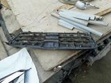 Решетка радиатора subaru за 61 000 тг. в Алматы – фото 2