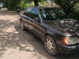 Mercedes-Benz E 300 1994 года за 1 350 000 тг. в Алматы – фото 2