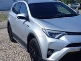 Toyota RAV 4 2017 года за 12 200 000 тг. в Петропавловск – фото 3