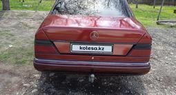 Mercedes-Benz E 220 1992 года за 1 650 000 тг. в Талдыкорган – фото 5