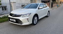 Toyota Camry 2015 года за 11 500 000 тг. в Шымкент – фото 2