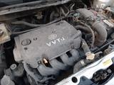 Toyota Ist 2003 года за 1 700 000 тг. в Семей – фото 2