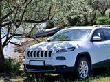 Jeep Cherokee 2014 года за 9 700 000 тг. в Уральск – фото 4