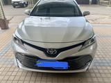 Toyota Camry 2019 года за 13 600 000 тг. в Шымкент – фото 2