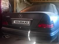 Mercedes-Benz E 220 1993 года за 1 600 000 тг. в Караганда