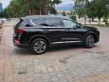 Hyundai Santa Fe 2019 года за 16 000 000 тг. в Алматы