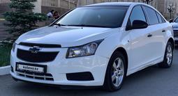 Chevrolet Cruze 2011 года за 1 850 000 тг. в Уральск – фото 2