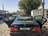 Mercedes-Benz E 280 1998 года за 2 100 000 тг. в Шымкент – фото 3