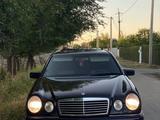 Mercedes-Benz E 320 1996 года за 3 100 000 тг. в Шымкент – фото 2