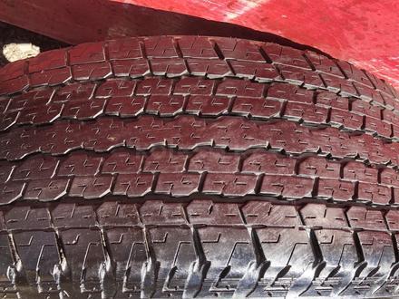 R 17 диски тойота прадо 120 с резиной 265-65-17 Bridgestone за 190 000 тг. в Алматы – фото 4