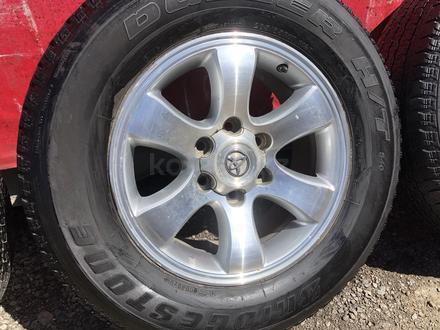 R 17 диски тойота прадо 120 с резиной 265-65-17 Bridgestone за 190 000 тг. в Алматы – фото 8