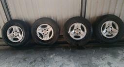 Резину и диски на Toyota Prado 95 за 190 000 тг. в Алматы – фото 4