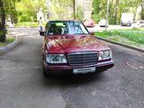 Mercedes-Benz E 230 1992 года за 1 590 000 тг. в Алматы – фото 2