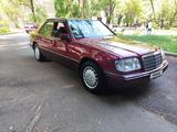Mercedes-Benz E 230 1992 года за 1 590 000 тг. в Алматы – фото 3