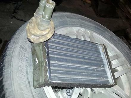 Радиатор печки на Ауди А4 95 г.в за 14 000 тг. в Усть-Каменогорск