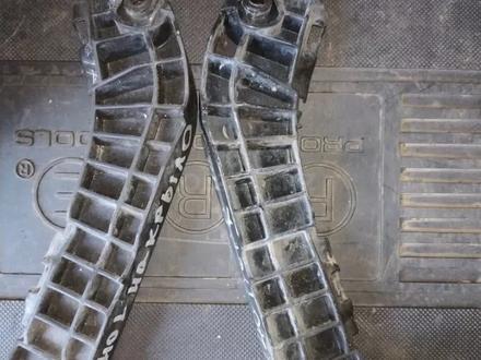 Крепления бампера переднего левое и правое на Camry 40 Камри… за 5 000 тг. в Алматы