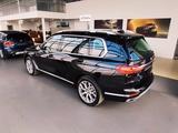 BMW X7 2020 года за 48 800 000 тг. в Караганда – фото 2