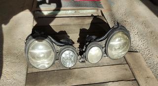 Фары и фонари на Мерседес Е класс 210 кузов за 65 000 тг. в Алматы