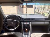 Mercedes-Benz E 260 1991 года за 1 190 000 тг. в Алматы – фото 4