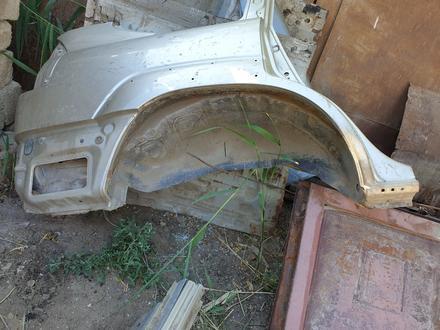 Заднее правое крыло Toyota Prado 2005 за 150 000 тг. в Атырау – фото 3