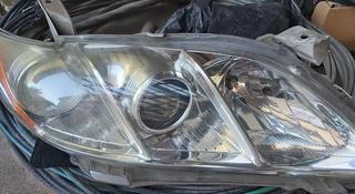 Оригинальная передняя фара Камри 40 за 30 000 тг. в Алматы