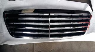 Mercedes w210 Решетка радиатора w 210 мерседес 210 за 127 тг. в Алматы