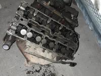 Блок двигателя головкка двигателя за 30 000 тг. в Караганда