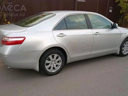 Toyota Camry 2006 года за 4 000 000 тг. в Уральск – фото 2