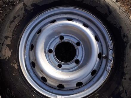 Комплект шин за 80 000 тг. в Актобе – фото 2
